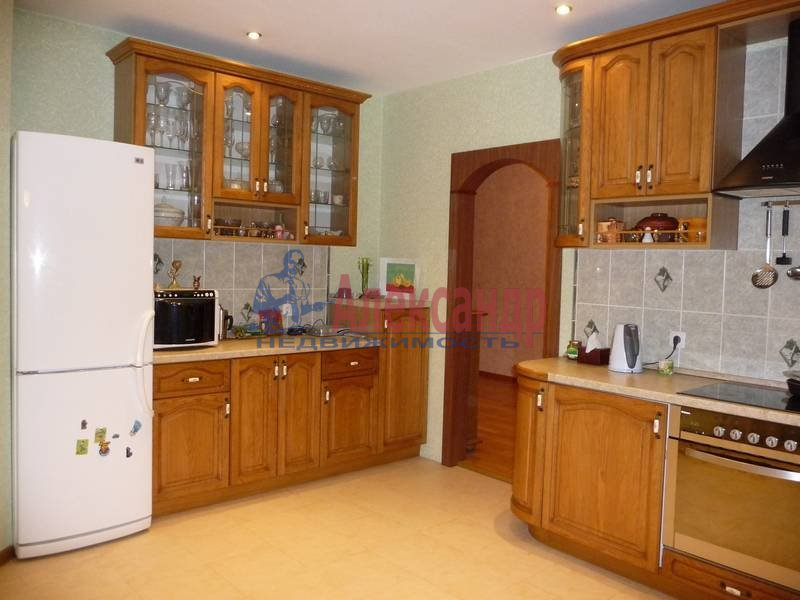 3-комнатная квартира (103м2) в аренду по адресу Ветеранов пр., 122— фото 7 из 17