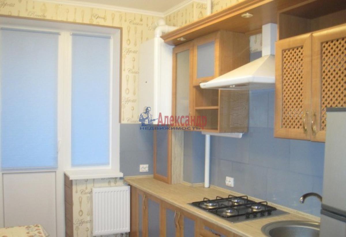 1-комнатная квартира (34м2) в аренду по адресу Ленсовета ул., 89— фото 1 из 4