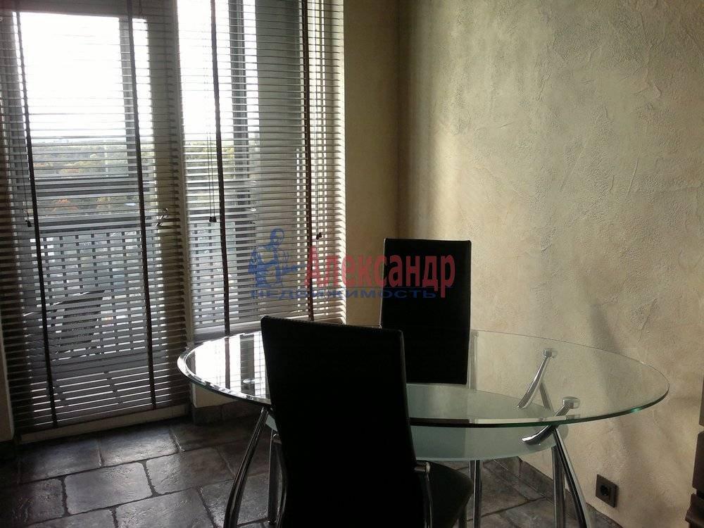1-комнатная квартира (40м2) в аренду по адресу Композиторов ул., 12— фото 2 из 6