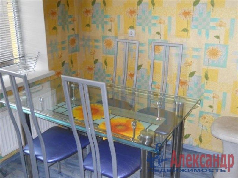 1-комнатная квартира (35м2) в аренду по адресу Караваевская ул., 26— фото 2 из 3