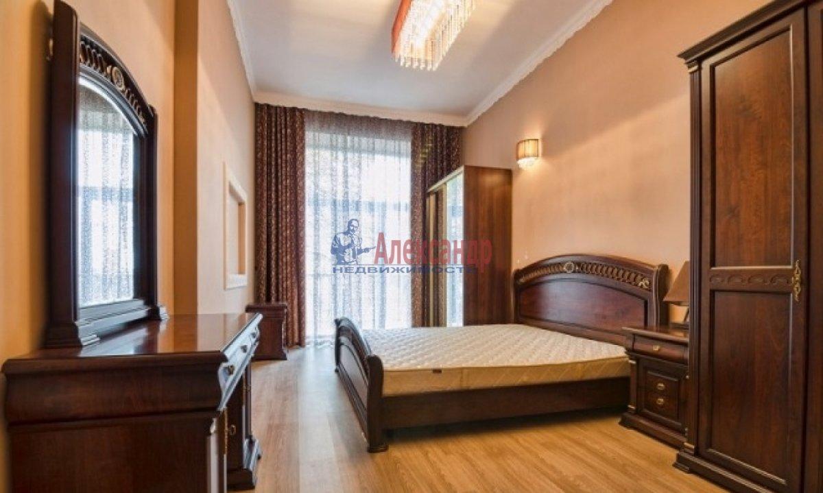 2-комнатная квартира (70м2) в аренду по адресу Богатырский пр., 49— фото 1 из 9