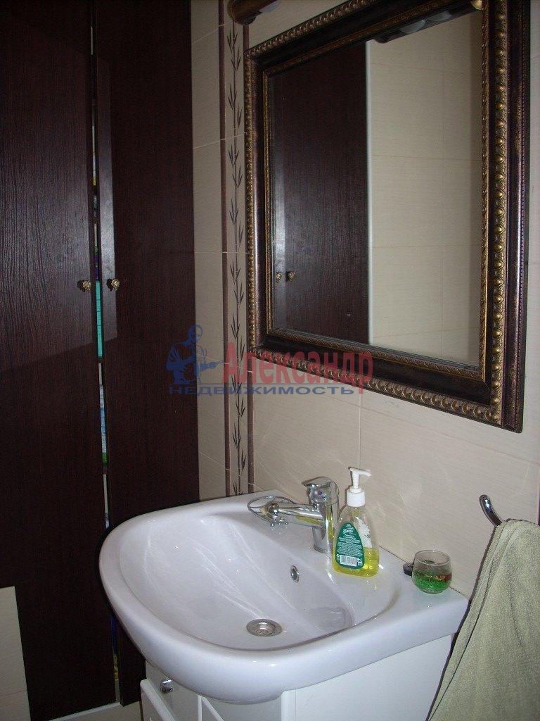 1-комнатная квартира (35м2) в аренду по адресу Пятилеток пр., 13— фото 2 из 4