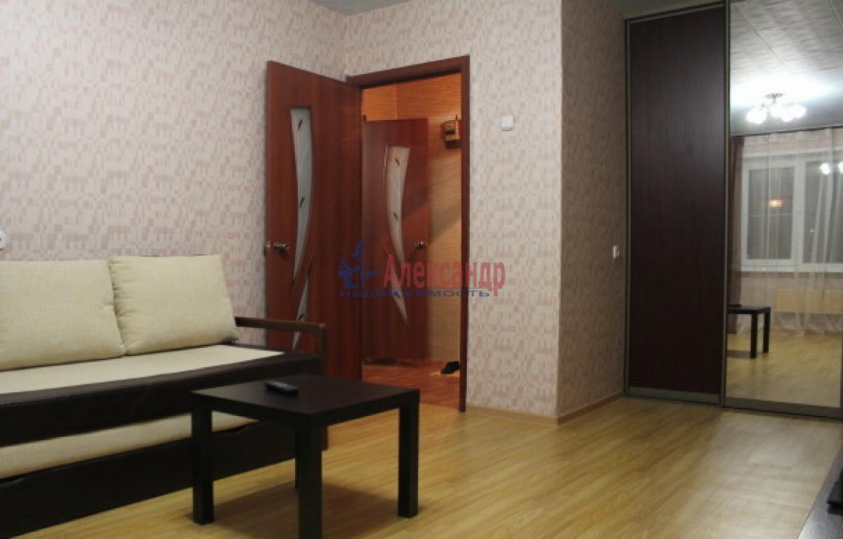 1-комнатная квартира (34м2) в аренду по адресу Есенина ул., 14— фото 2 из 3