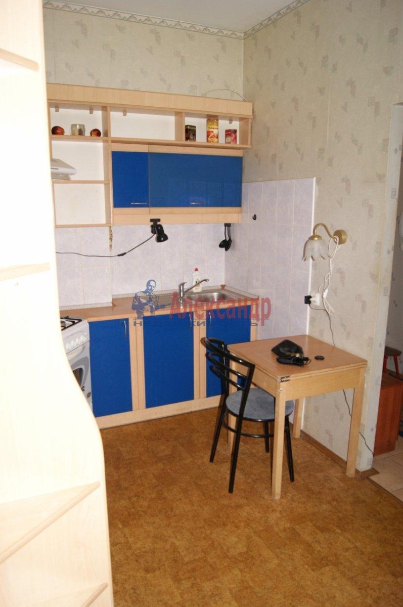 1-комнатная квартира (35м2) в аренду по адресу Большая Зеленина ул., 1— фото 2 из 4