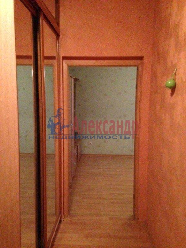 2-комнатная квартира (57м2) в аренду по адресу Ленсовета ул., 69— фото 7 из 8