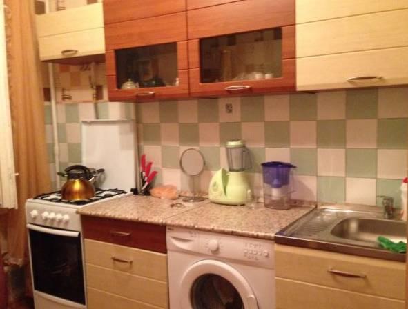 Комната в 3-комнатной квартире (60м2) в аренду по адресу Лизы Чайкиной ул., 19— фото 2 из 2