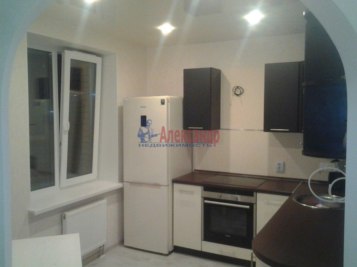 1-комнатная квартира (38м2) в аренду по адресу Софийская ул., 28— фото 1 из 6