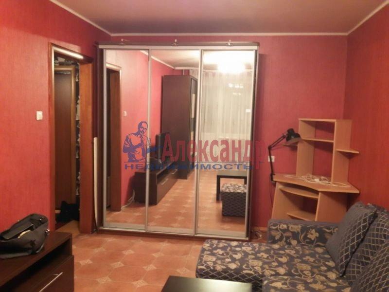 2-комнатная квартира (45м2) в аренду по адресу Школьная ул., 11— фото 1 из 3