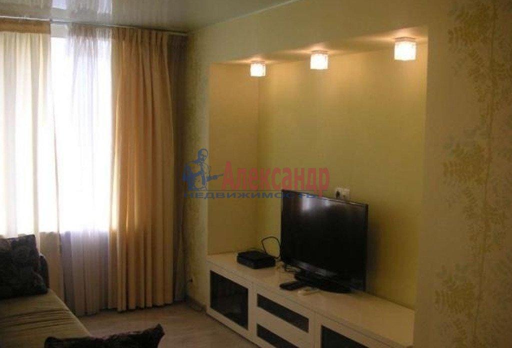 1-комнатная квартира (39м2) в аренду по адресу Брянцева ул., 13— фото 1 из 3