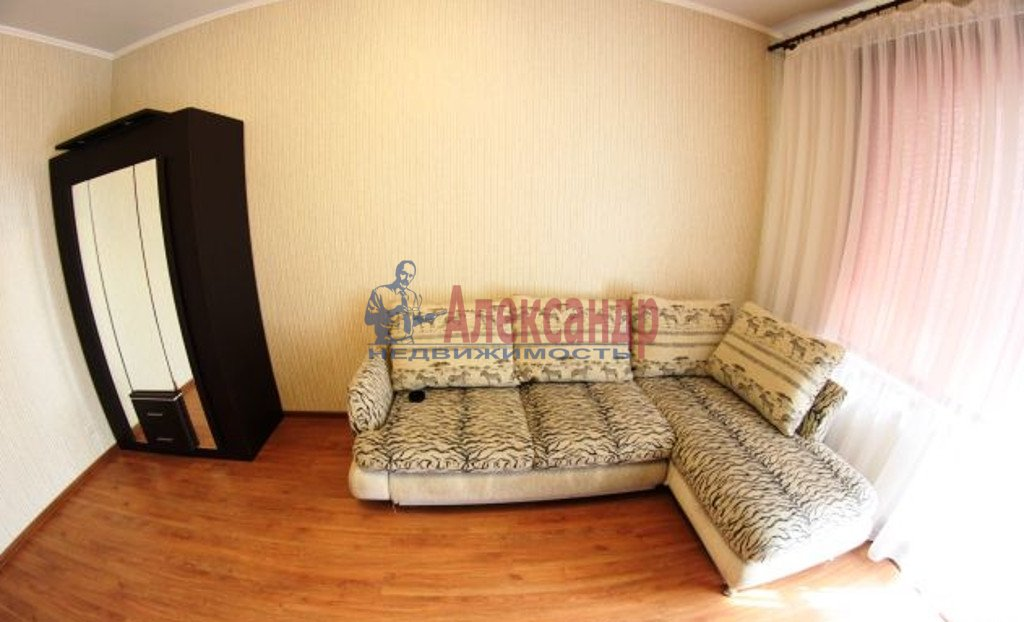 1-комнатная квартира (35м2) в аренду по адресу Маршала Казакова ул., 78— фото 1 из 3