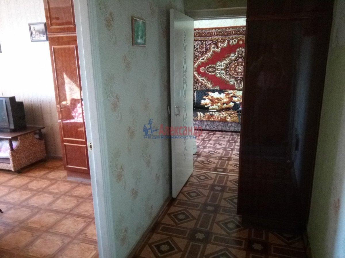 2-комнатная квартира (45м2) в аренду по адресу Петергофское шос., 5— фото 3 из 9