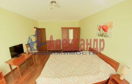 Комната в 2-комнатной квартире (60м2) в аренду по адресу Большая Московская ул., 13— фото 1 из 3