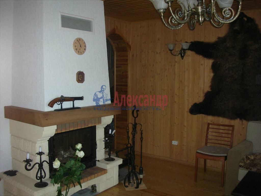 Дом (200м2) в аренду — фото 1 из 10