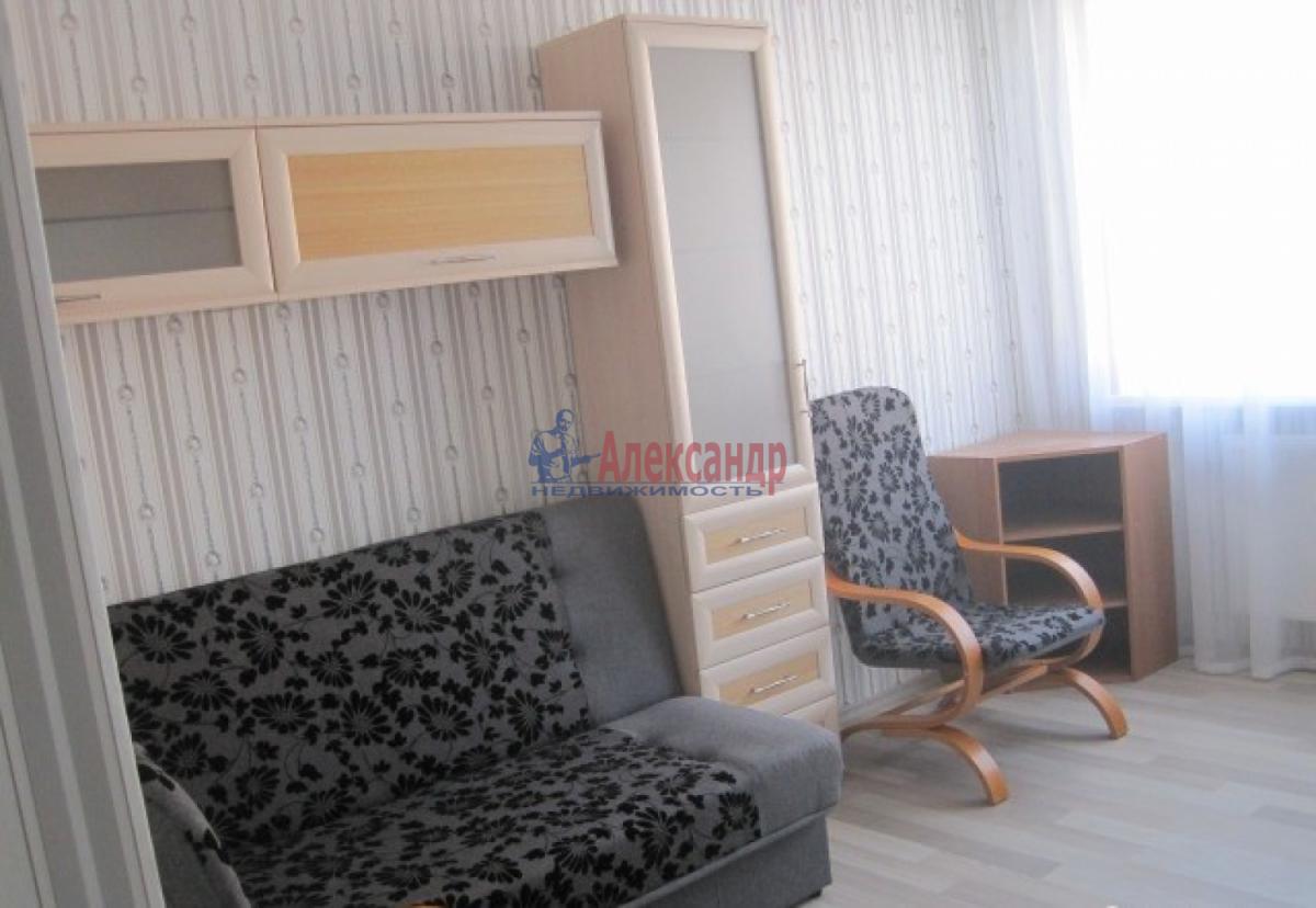 1-комнатная квартира (34м2) в аренду по адресу Ленсовета ул., 89— фото 3 из 4