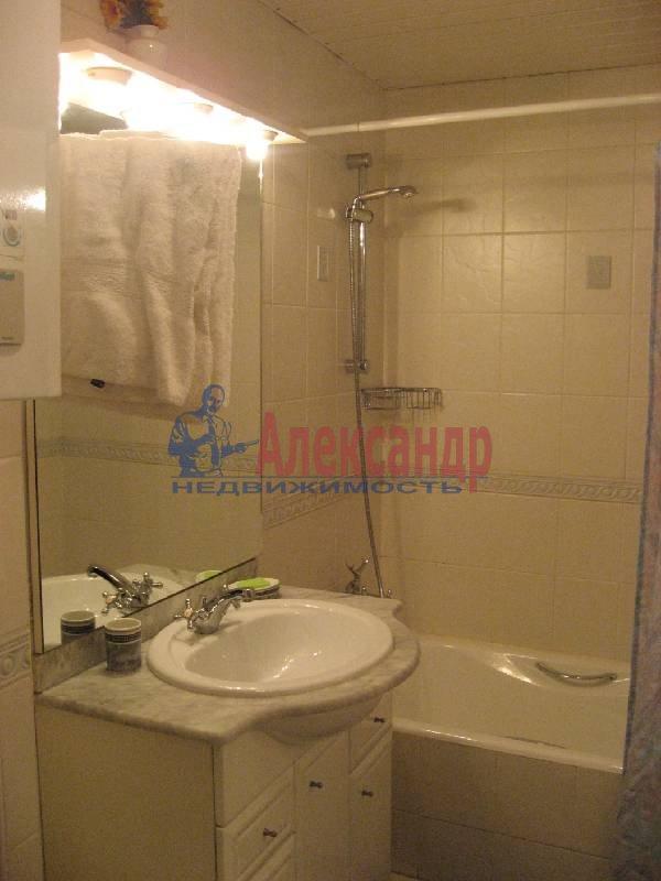1-комнатная квартира (70м2) в аренду по адресу Рубинштейна ул., 3— фото 13 из 13