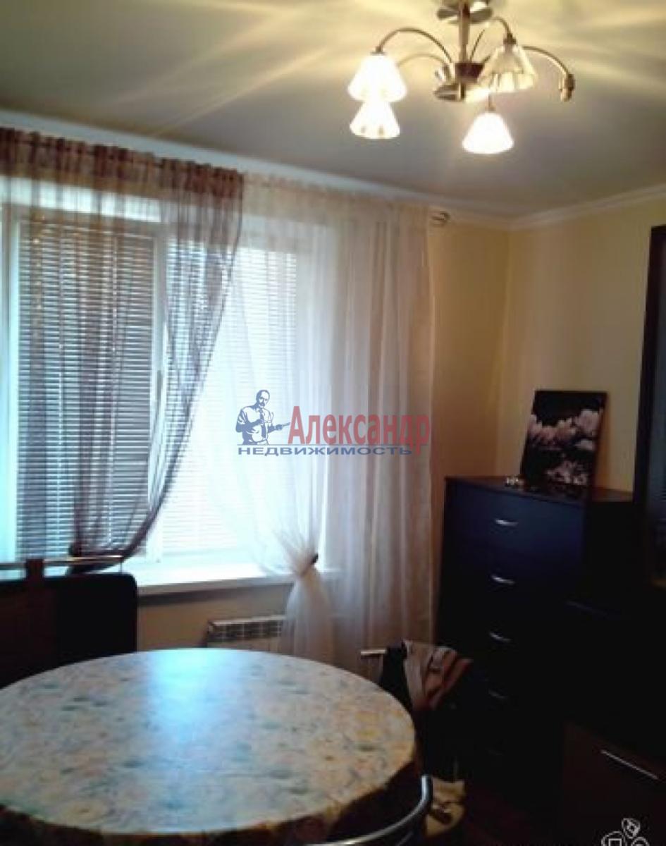 1-комнатная квартира (43м2) в аренду по адресу Стачек пл.— фото 2 из 5