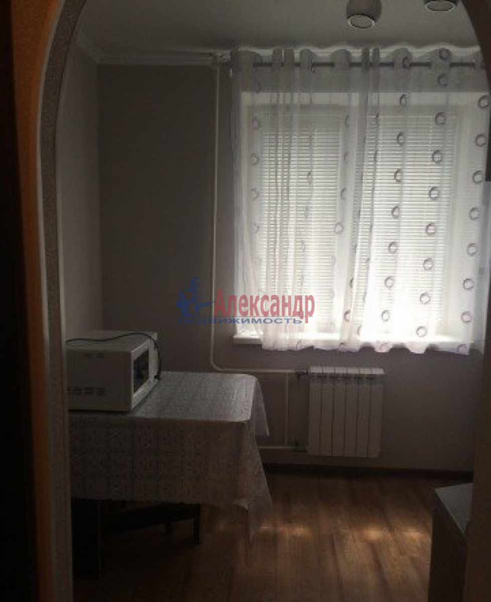 1-комнатная квартира (35м2) в аренду по адресу Трефолева ул., 26— фото 7 из 10
