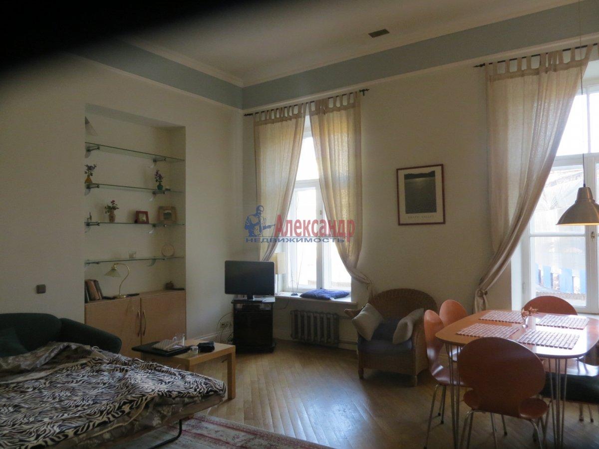 1-комнатная квартира (35м2) в аренду по адресу Бестужевская ул., 13— фото 1 из 3