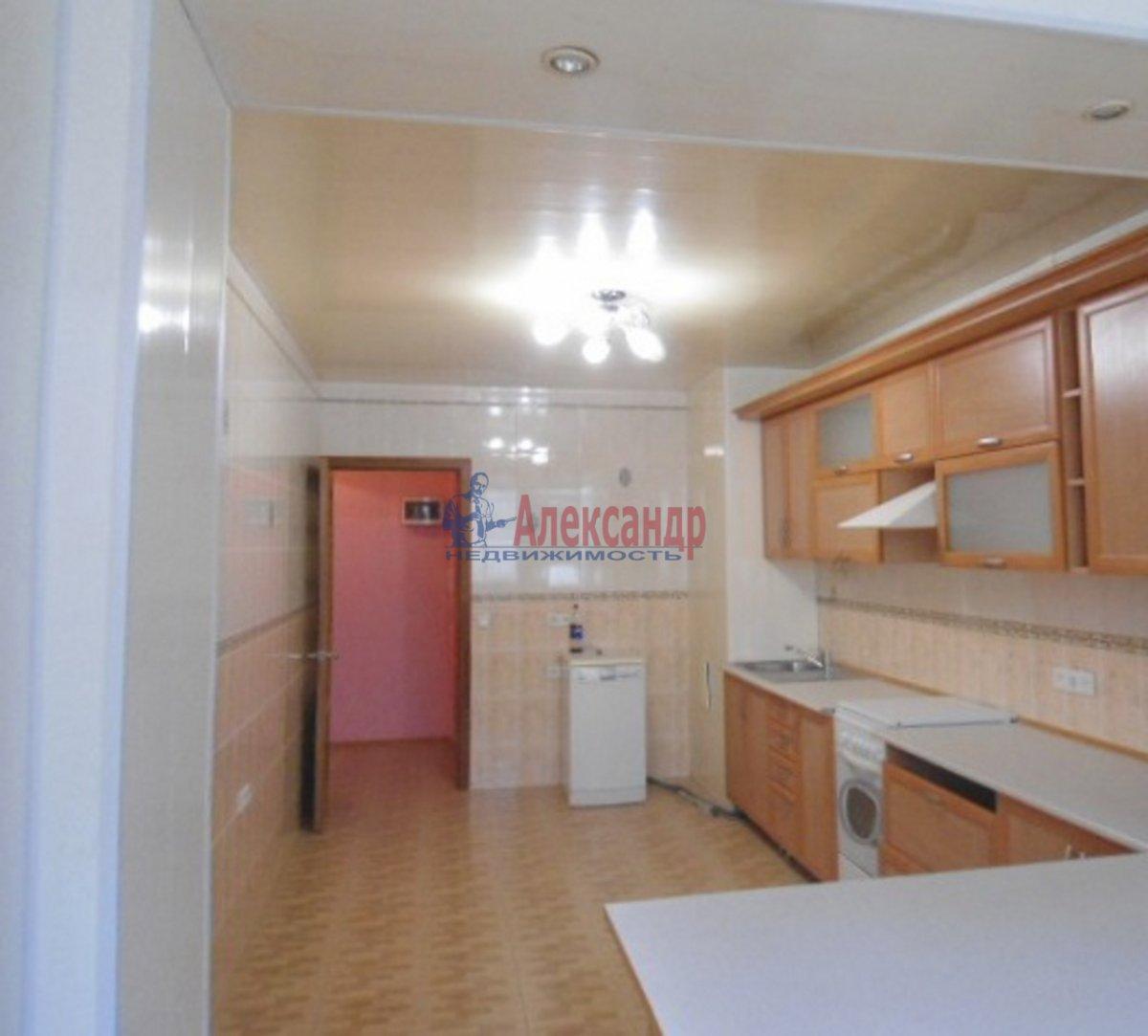 2-комнатная квартира (56м2) в аренду по адресу Яхтенная ул., 9— фото 1 из 4