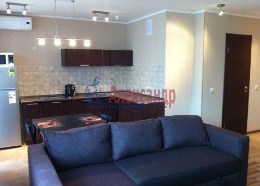 2-комнатная квартира (69м2) в аренду по адресу Савушкина ул., 128— фото 1 из 3