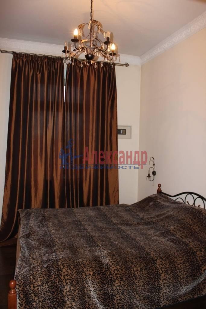2-комнатная квартира (75м2) в аренду по адресу Ленина пл., 3— фото 3 из 9