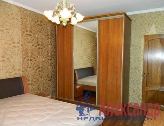 3-комнатная квартира (72м2) в аренду по адресу Школьная ул., 9— фото 1 из 3