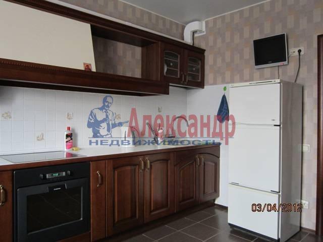 2-комнатная квартира (65м2) в аренду по адресу Косыгина пр., 32— фото 1 из 6