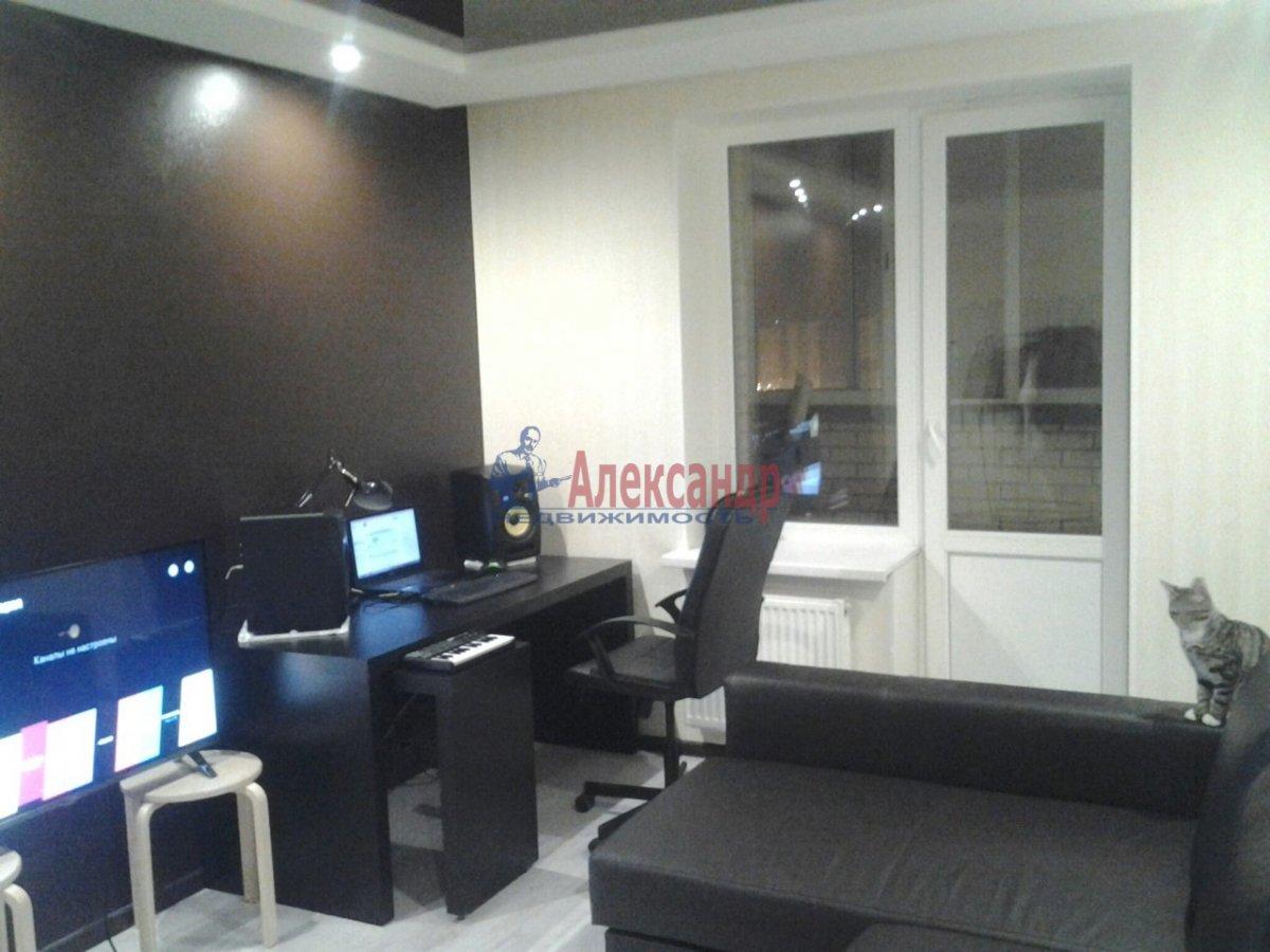 1-комнатная квартира (38м2) в аренду по адресу Софийская ул., 28— фото 4 из 6