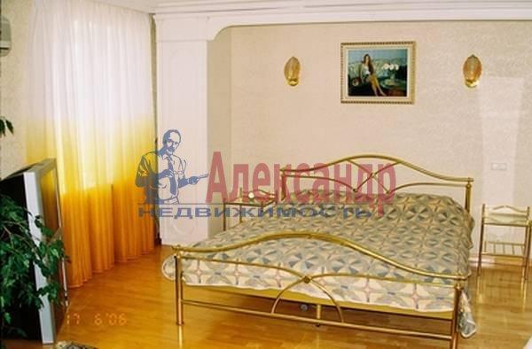 3-комнатная квартира (170м2) в аренду по адресу Просвещения пр., 14— фото 1 из 5