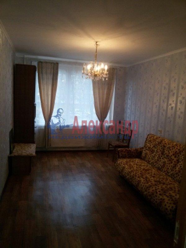 Комната в 4-комнатной квартире (77м2) в аренду по адресу Будапештская ул., 63— фото 1 из 6