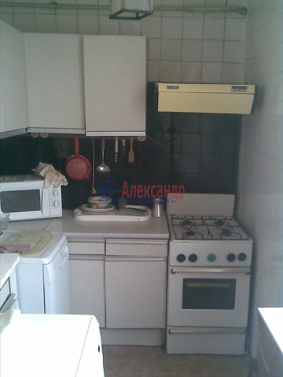 1-комнатная квартира (36м2) в аренду по адресу Ленсовета ул., 58— фото 1 из 4