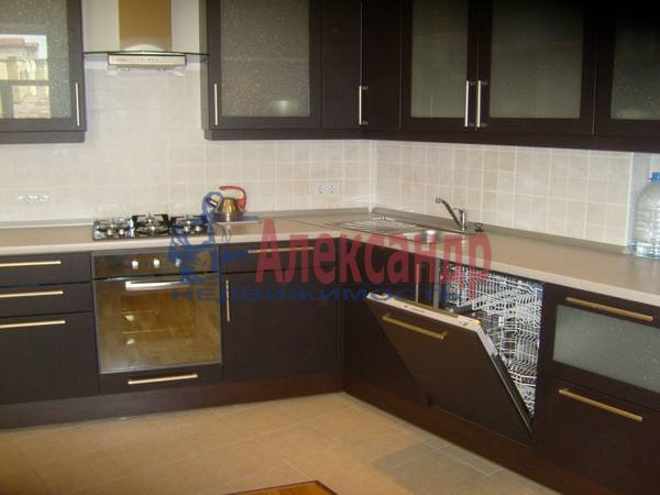 4-комнатная квартира (100м2) в аренду по адресу Большая Конюшенная ул., 15— фото 2 из 9