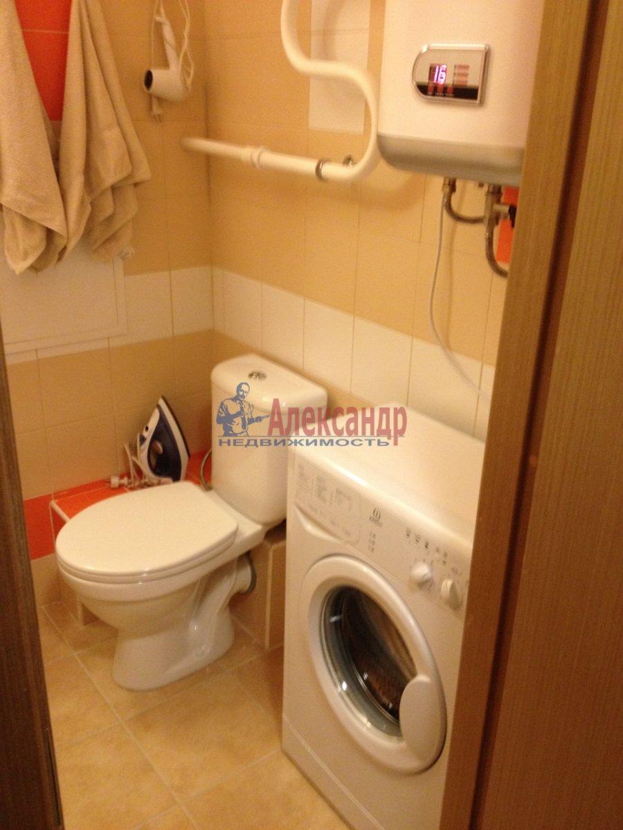 1-комнатная квартира (34м2) в аренду по адресу Мурино пос., Привокзальная пл., 1А— фото 9 из 13