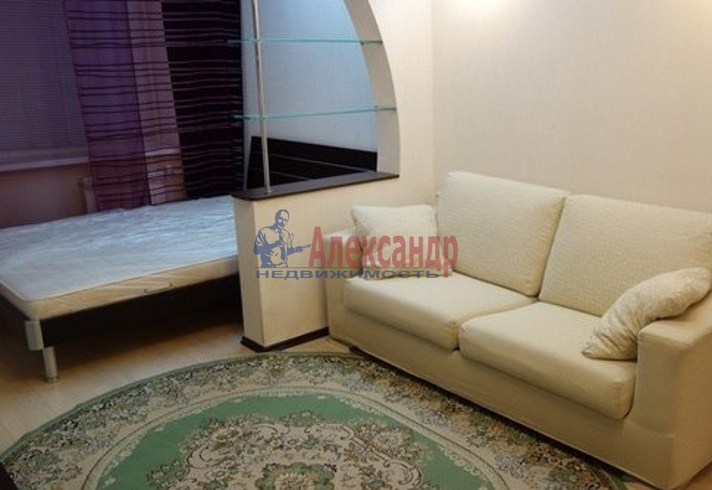 1-комнатная квартира (38м2) в аренду по адресу Ленинский пр., 84— фото 2 из 3