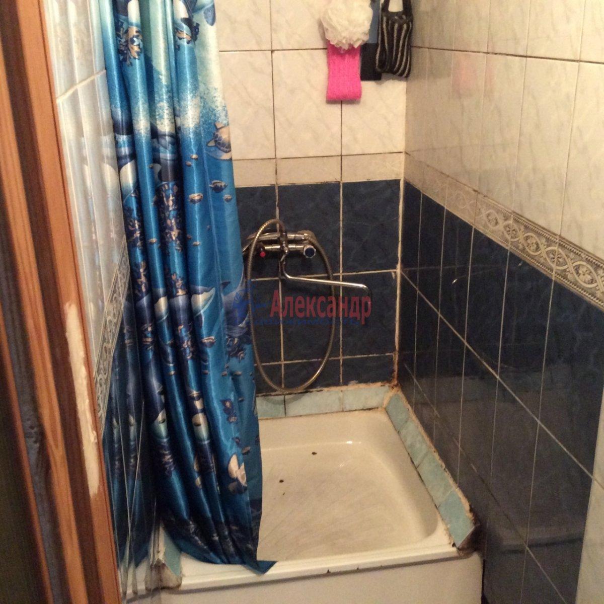 Комната в 5-комнатной квартире (100м2) в аренду по адресу Есенина ул., 30— фото 9 из 11