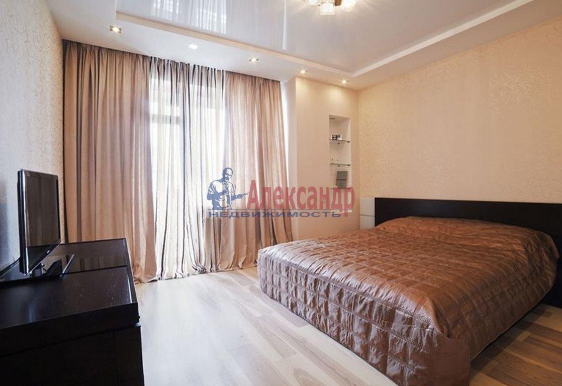 2-комнатная квартира (95м2) в аренду по адресу Петровский пр., 14— фото 2 из 3