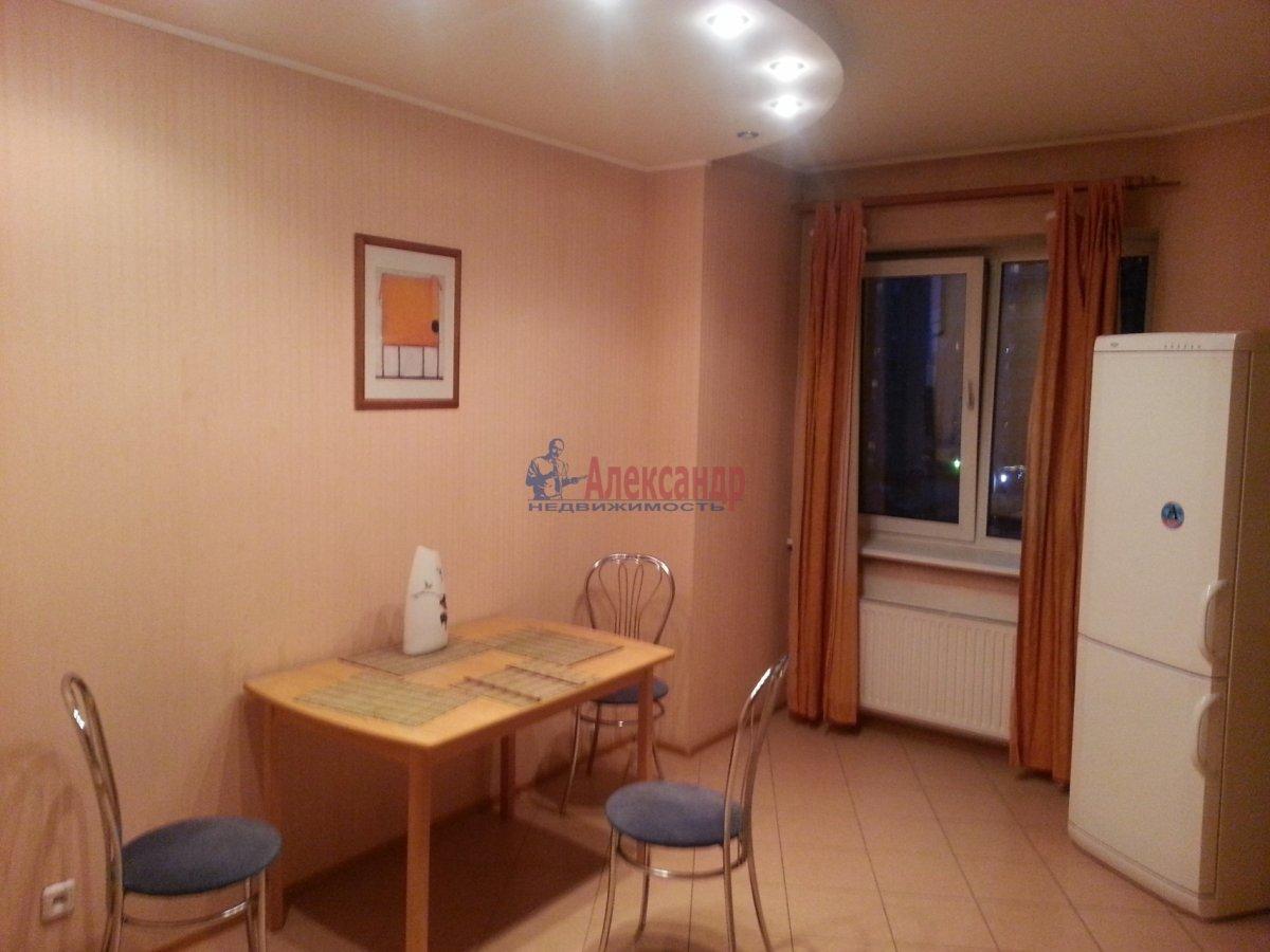 1-комнатная квартира (48м2) в аренду по адресу Ленсовета ул., 88— фото 2 из 18