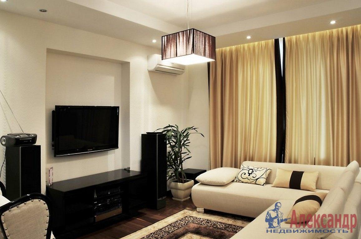 2-комнатная квартира (65м2) в аренду по адресу Нахимова ул., 15— фото 1 из 4