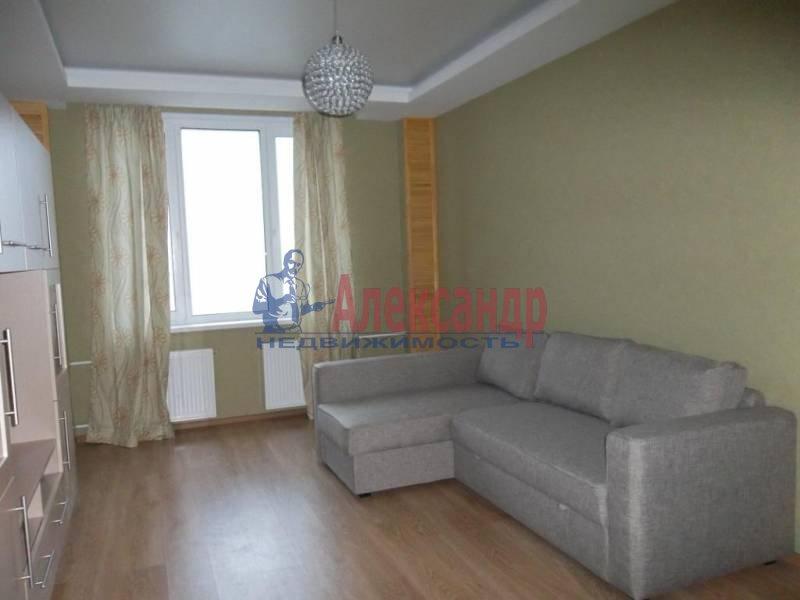 2-комнатная квартира (60м2) в аренду по адресу Новосмоленская наб., 4— фото 2 из 7