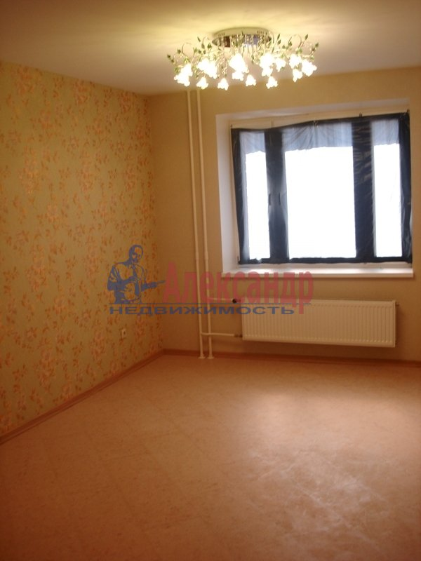 2-комнатная квартира (67м2) в аренду по адресу Кораблестроителей ул., 30— фото 2 из 11