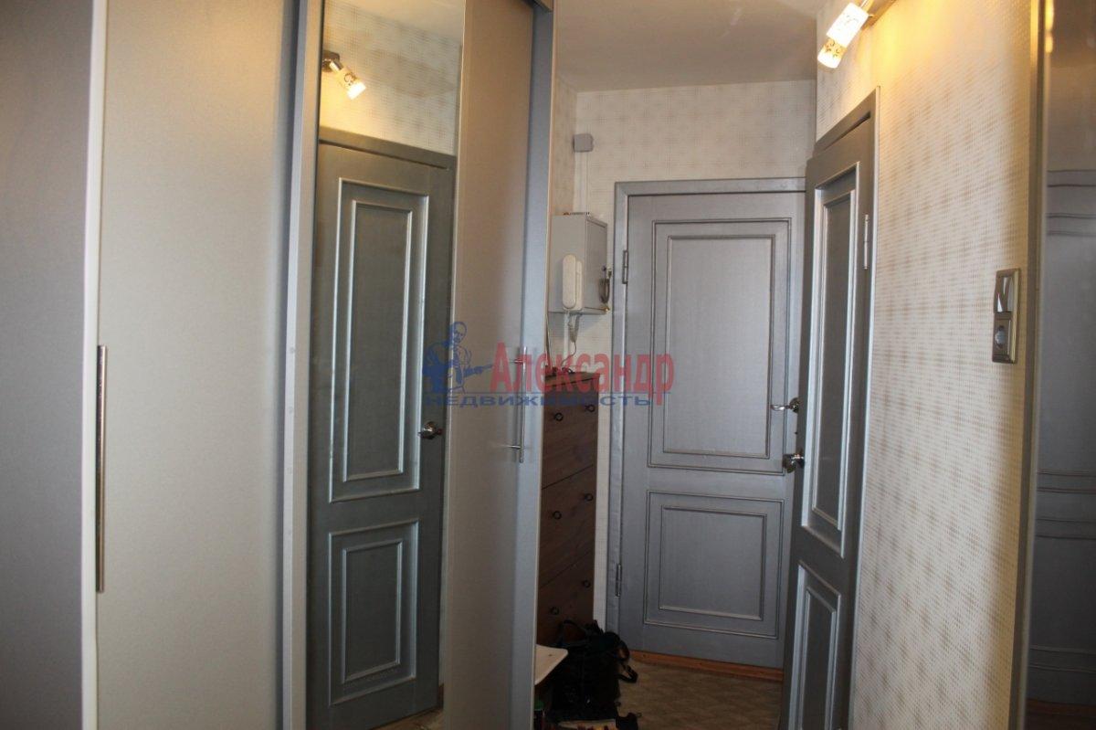 1-комнатная квартира (35м2) в аренду по адресу Обуховской Обороны пр., 138— фото 1 из 4