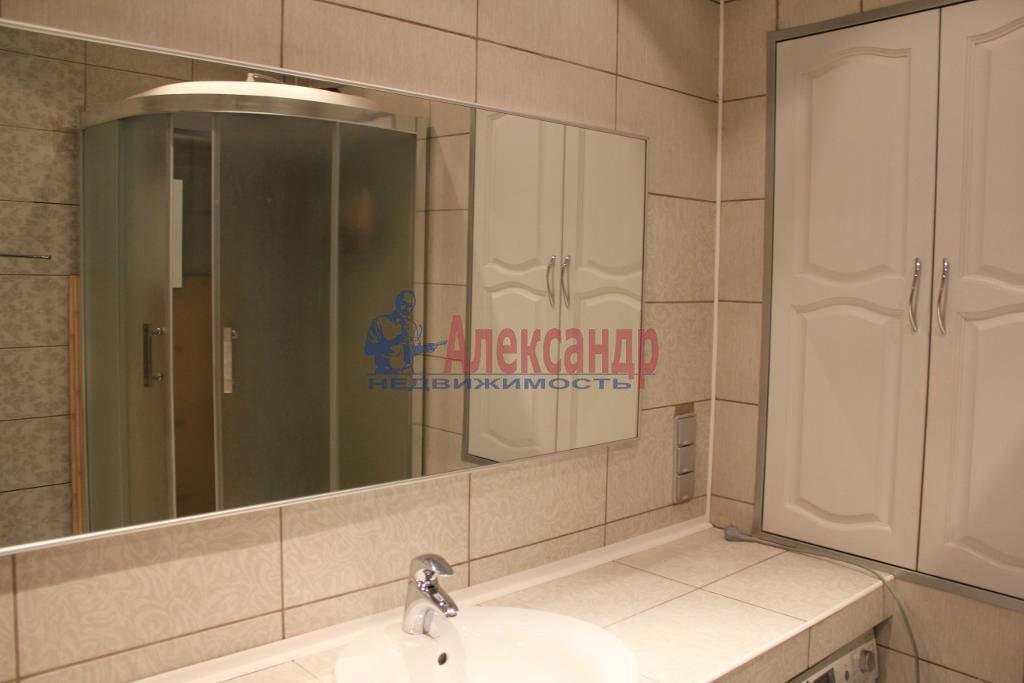2-комнатная квартира (50м2) в аренду по адресу Саратовская ул., 27— фото 2 из 4