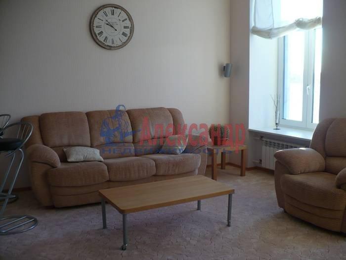 2-комнатная квартира (80м2) в аренду по адресу Кутузова наб., 30— фото 1 из 6