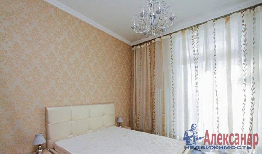 2-комнатная квартира (70м2) в аренду по адресу Кременчугская ул., 13— фото 1 из 5