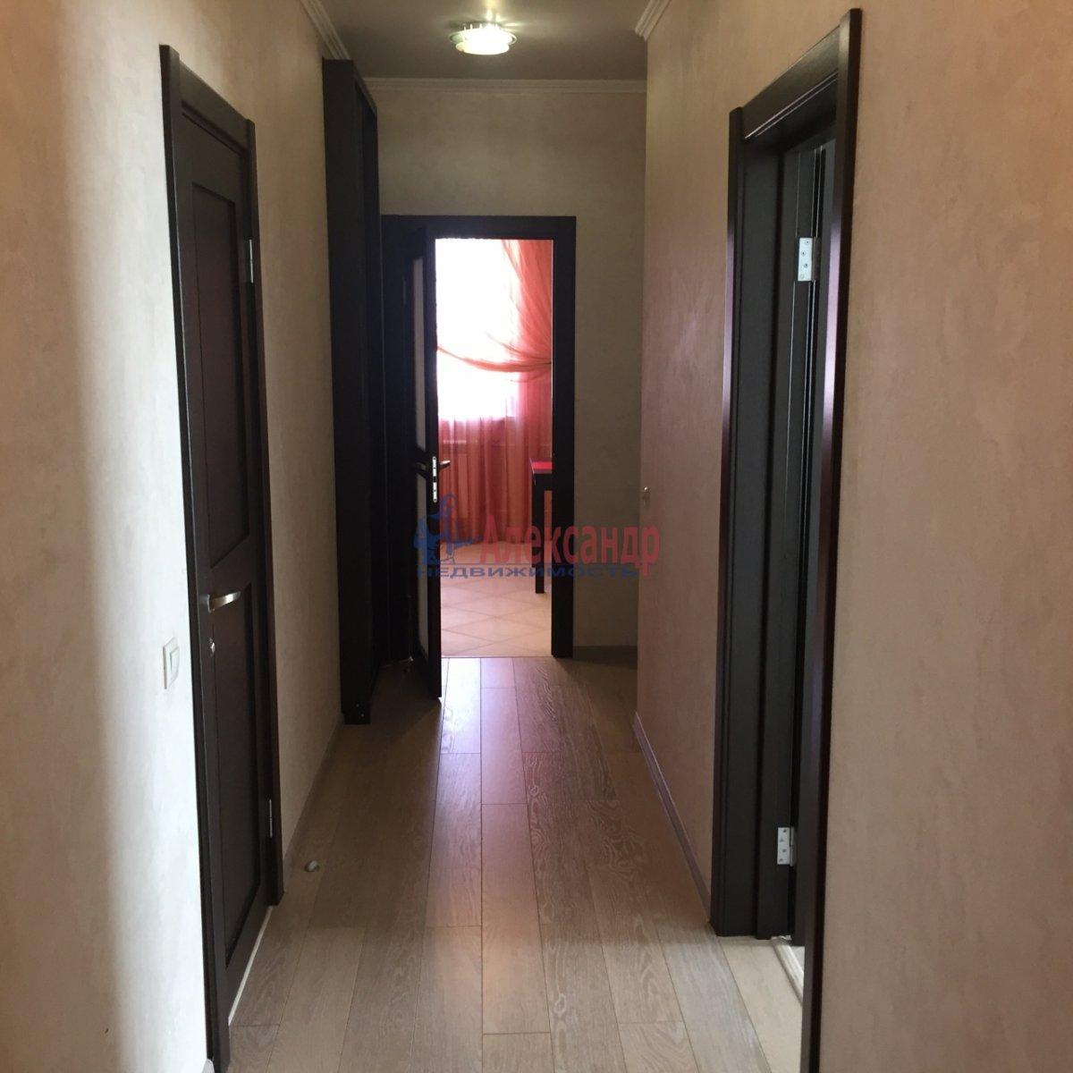 2-комнатная квартира (64м2) в аренду по адресу Белы Куна ул., 1— фото 8 из 9