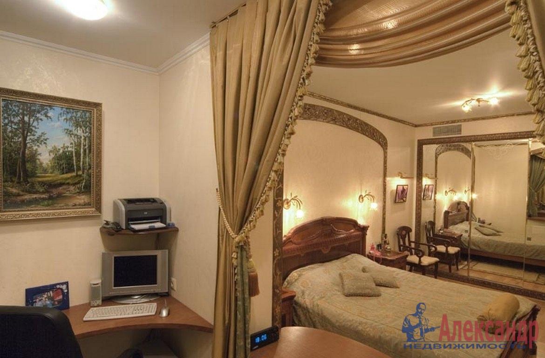 2-комнатная квартира (76м2) в аренду по адресу Пушкинская ул., 2— фото 2 из 3