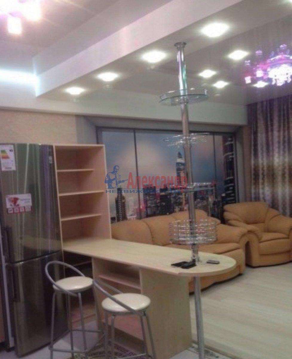 2-комнатная квартира (75м2) в аренду по адресу Богатырский пр., 49— фото 3 из 10
