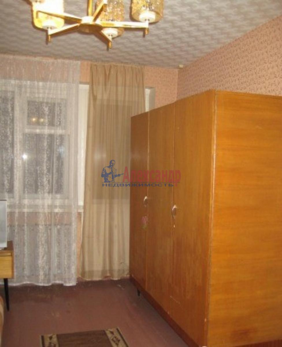 Комната в 4-комнатной квартире (92м2) в аренду по адресу Типанова ул., 18— фото 2 из 5