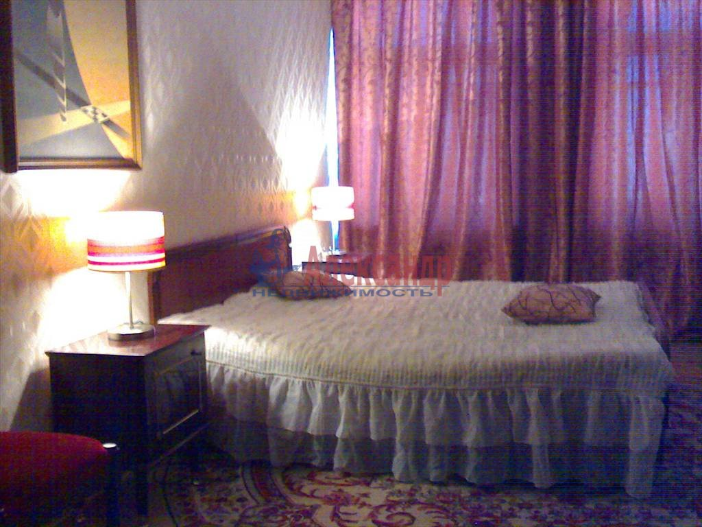 3-комнатная квартира (75м2) в аренду по адресу Обводного канала наб., 53— фото 2 из 6