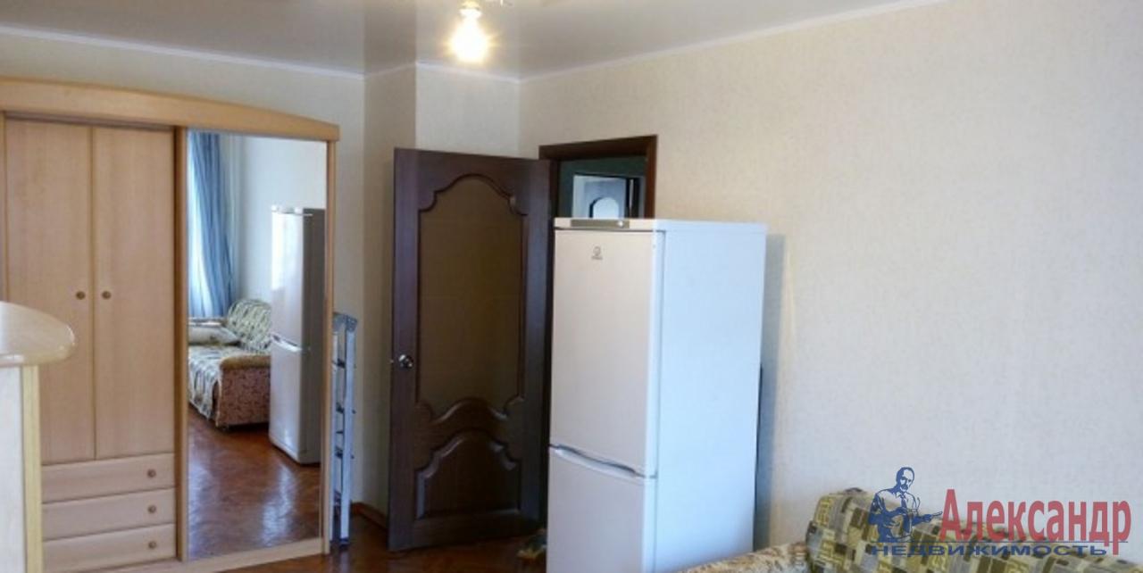 Комната в 4-комнатной квартире (85м2) в аренду по адресу Каменноостровский пр., 28— фото 1 из 1